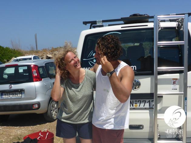 Wir haben die Locken schön - salty hair beim Surfen auf Kreta
