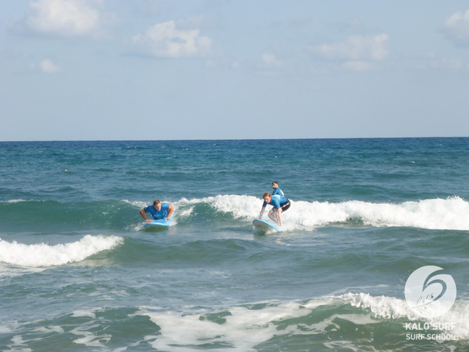 Surf Lesson in Crete- Take off and Turns