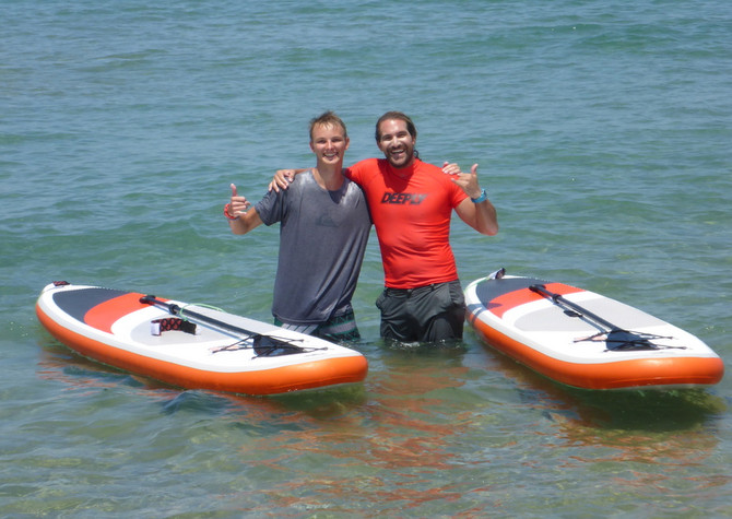 Old and new friends at Kalo Surf in Kissamos