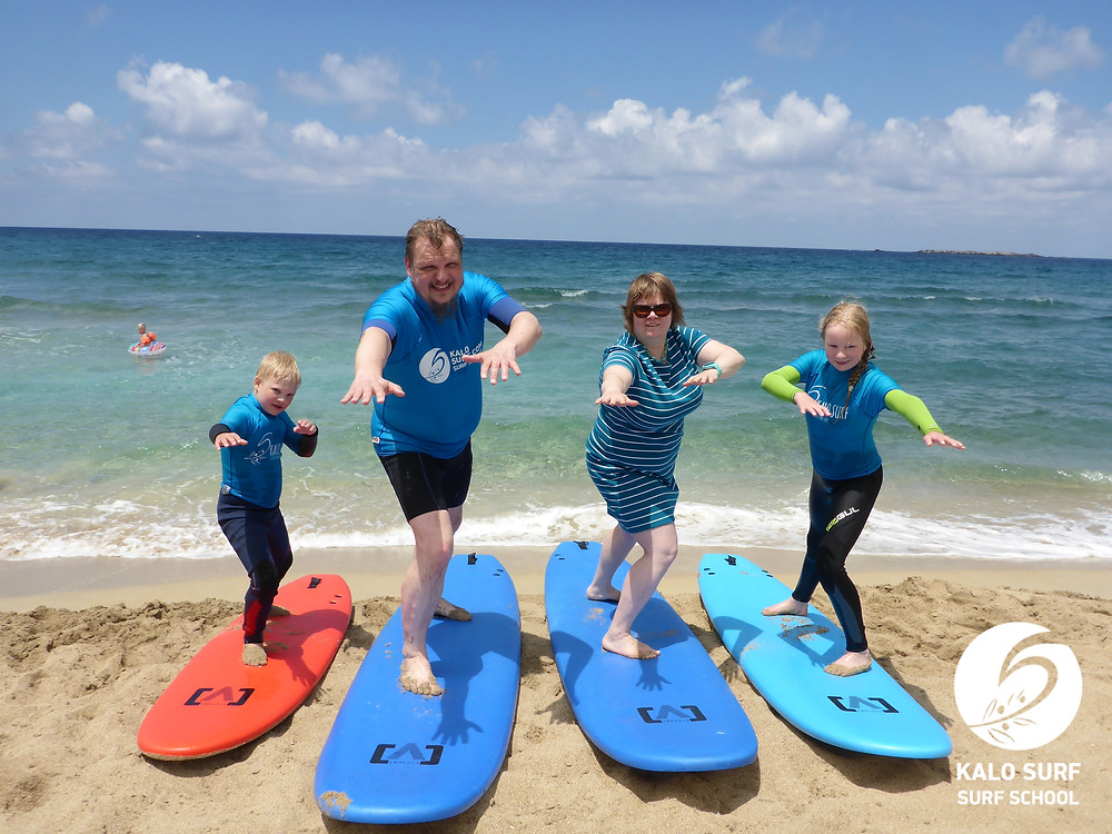 Family group picture surf lesson