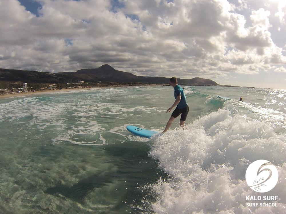 Wellenreiten Kreta, Wellen, Surfbrett