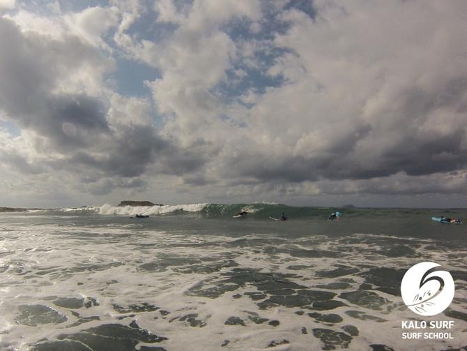 Wir surfen am Riff an Kretas Westküste