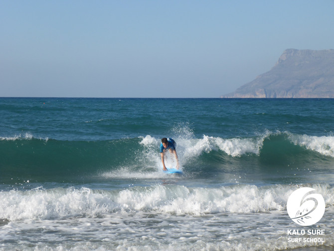 Der Surf-Sommer bleibt da - Wellenreiten auf Kreta