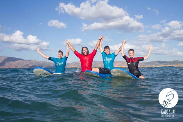 Gruppenfoto Wellenreiten Griechenland