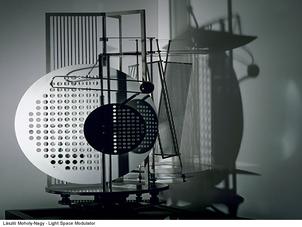 Roberto Casati et Elena Tosi-Brandi  La Singularité du projet de recherche en design: dialogue entr