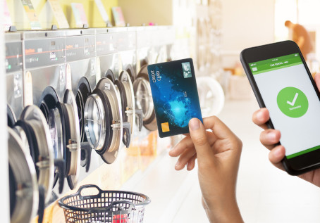 What's the best Cashless Payment Solution for my Laundromat?