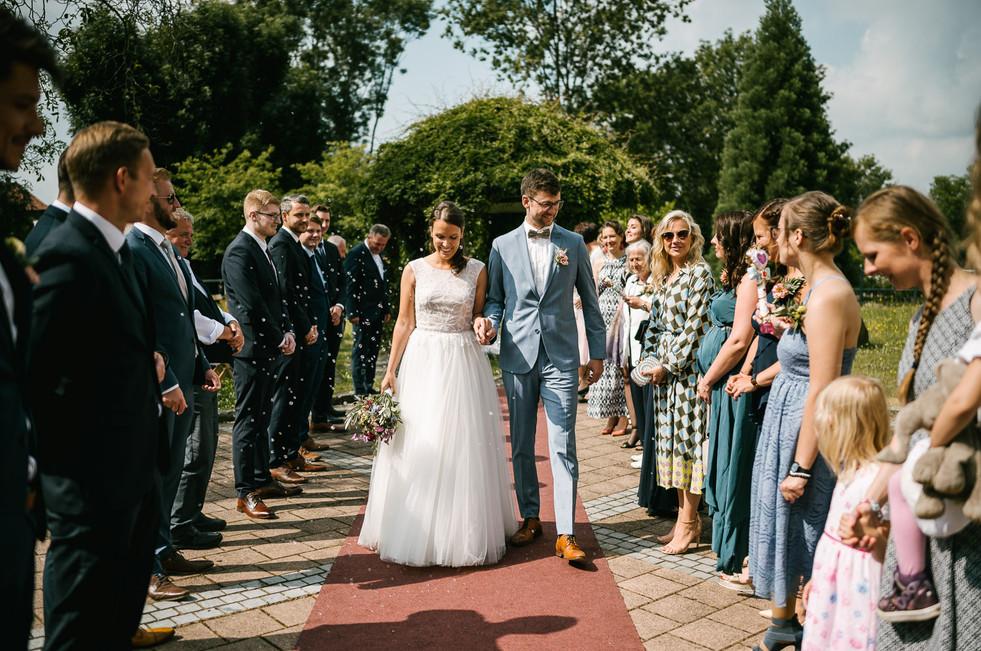 Hochzeitsfotograf_Zwenkau-Standesamt48.jpg