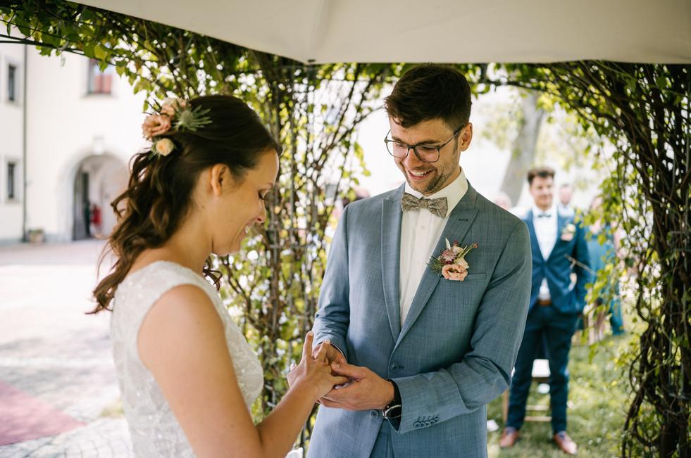 Hochzeitsfotograf_Zwenkau-Standesamt44.jpg