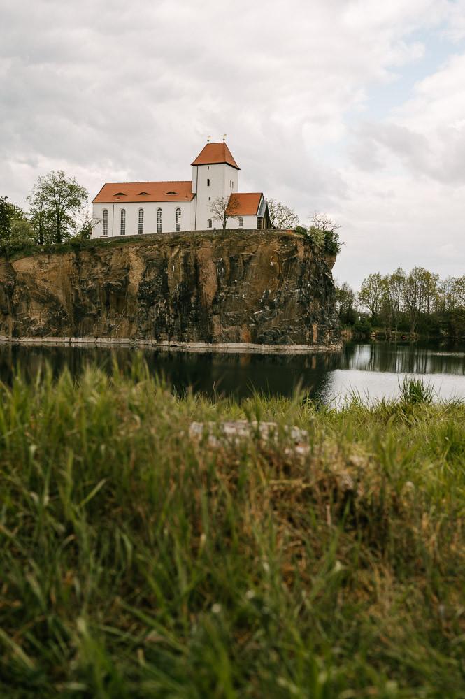 Paarfotografie_Brandis_Beucha_Bergkirche