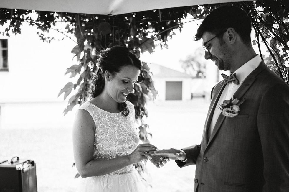 Hochzeitsfotograf_Zwenkau-Standesamt45.jpg