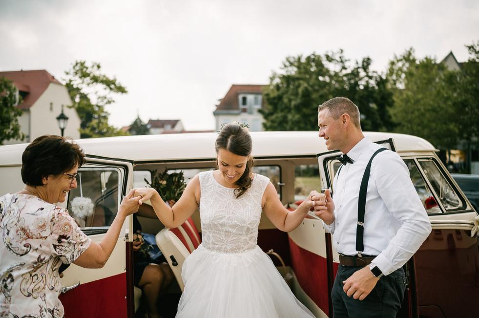 Hochzeitsfotograf_Zwenkau-Standesamt13.jpg