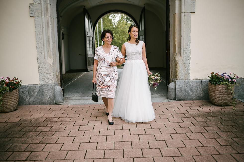 Hochzeitsfotograf_Zwenkau-Standesamt21.jpg