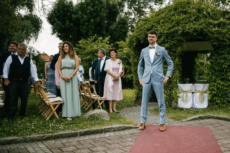 Hochzeitsfotograf_Zwenkau-Standesamt22.jpg
