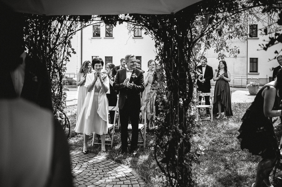 Hochzeitsfotograf_Zwenkau-Standesamt38.jpg