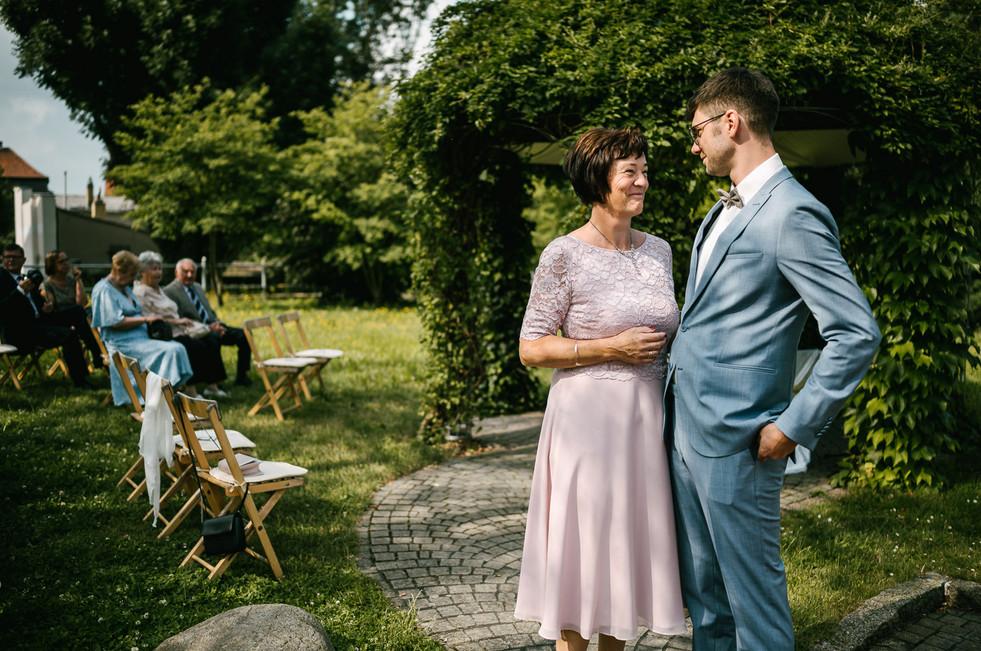 Hochzeitsfotograf_Zwenkau-Standesamt8.jpg