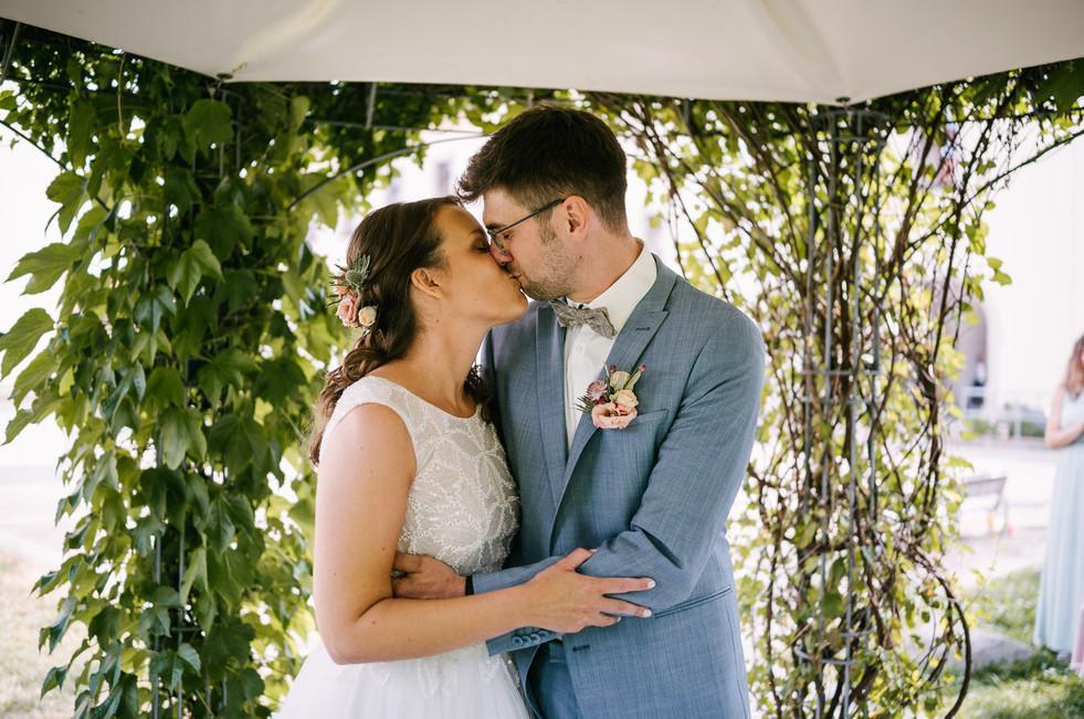 Hochzeitsfotograf_Zwenkau-Standesamt39.jpg