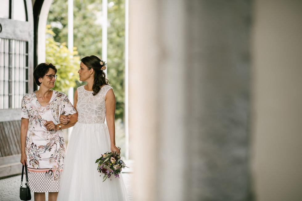 Hochzeitsfotograf_Zwenkau-Standesamt20.jpg