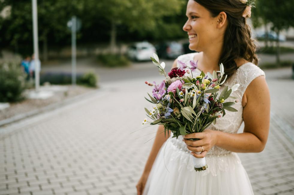 Hochzeitsfotograf_Zwenkau-Standesamt17.jpg