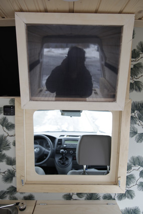Ikkuna avattuna pysty.JPG