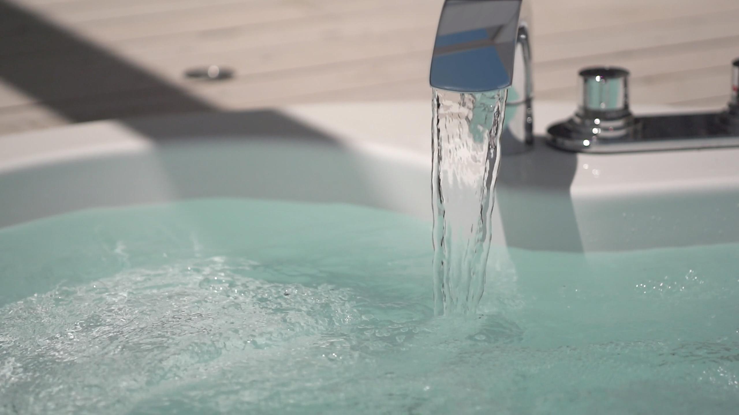 ジャグジー水