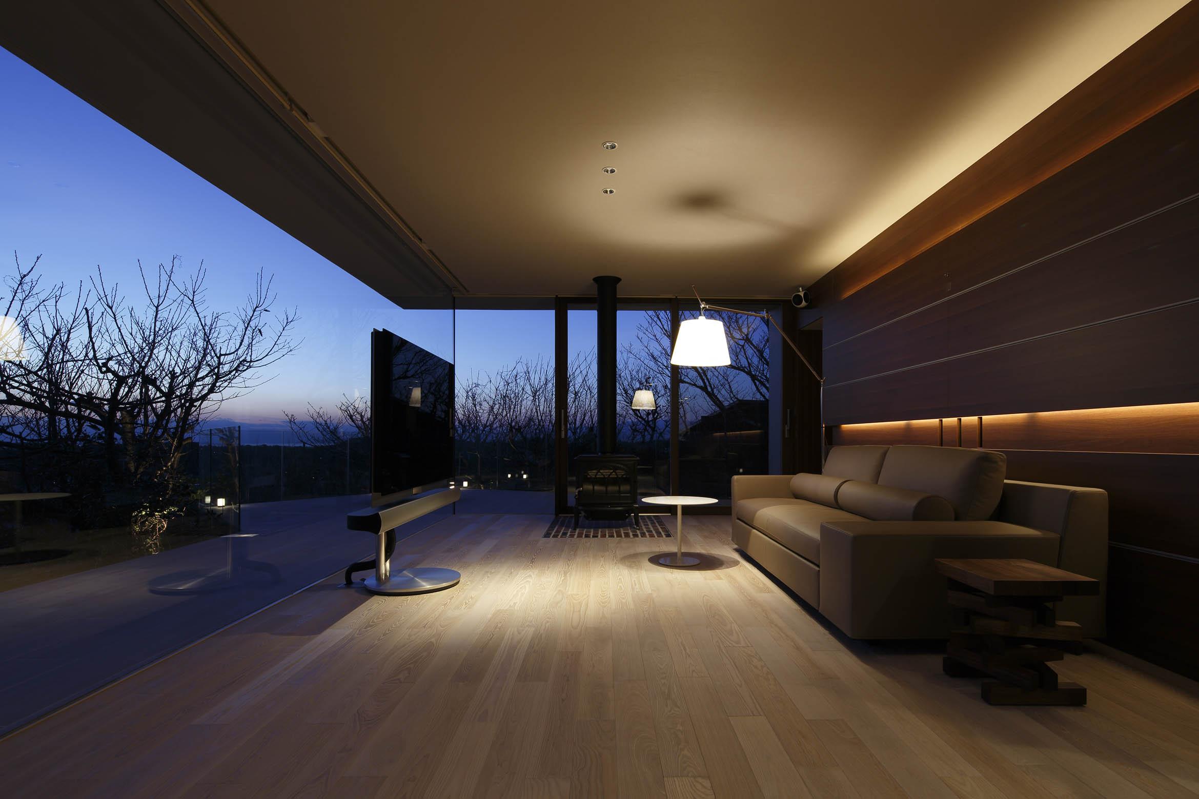富士山方向夜景/CASA BARCA/豪邸 高級別荘建築