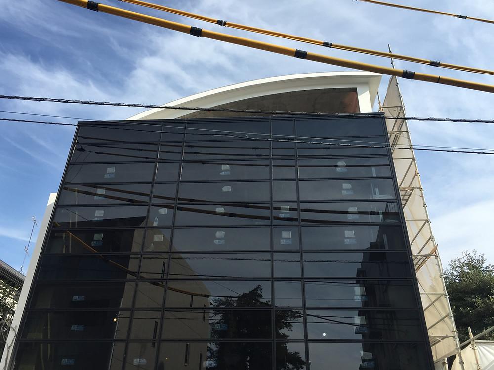 SAKURA SAKURA SAKURA HOUSEの現場定例でした。内部螺旋階段が入り、壁、天井下地を施工中です。