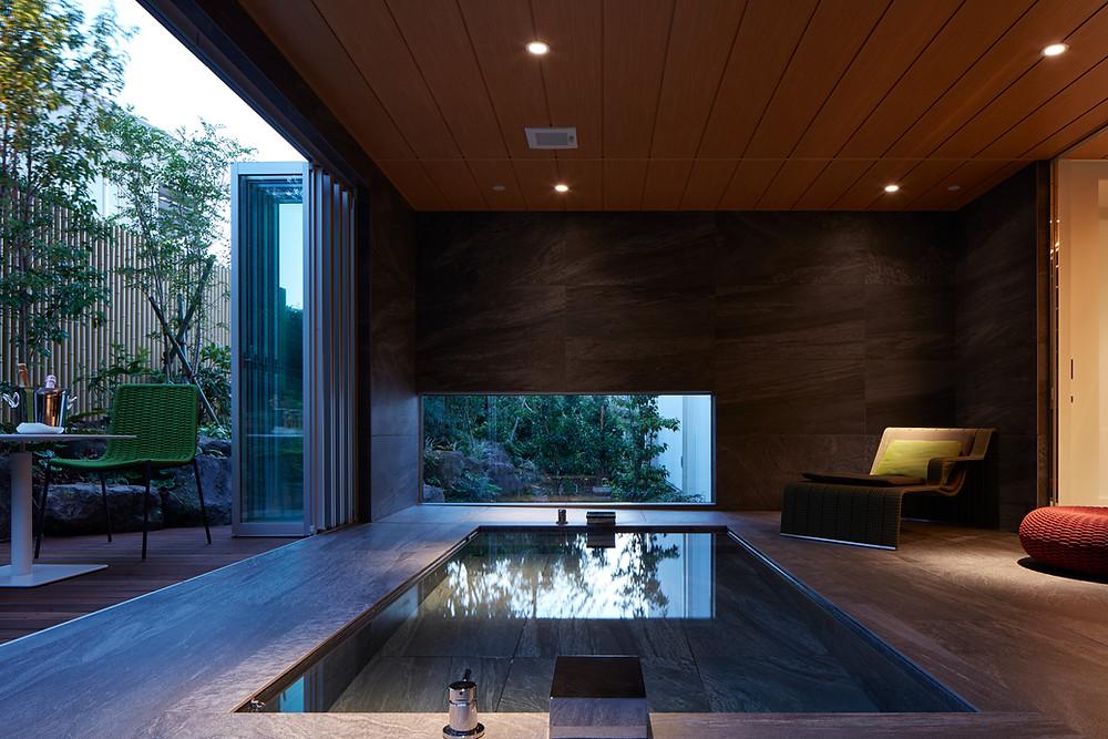 海の家_半露天の大浴室
