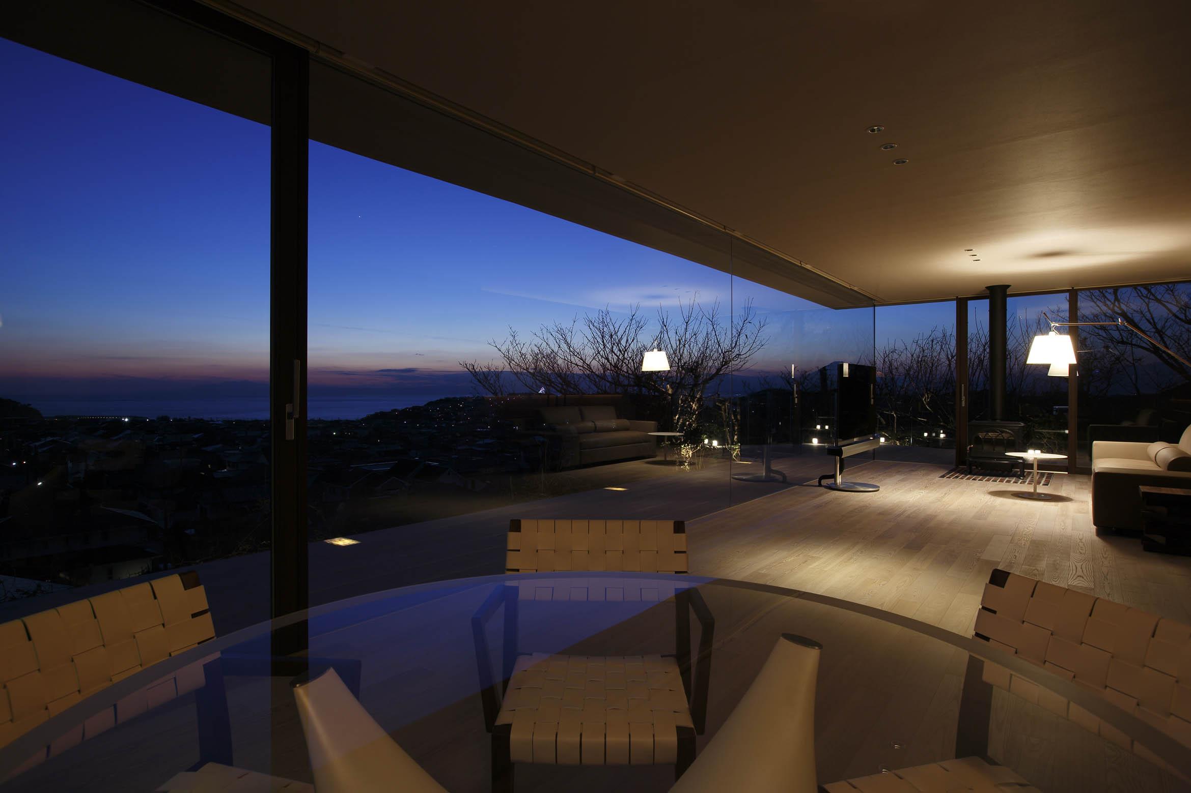 夜景/CASA BARCA/豪邸 高級別荘建築