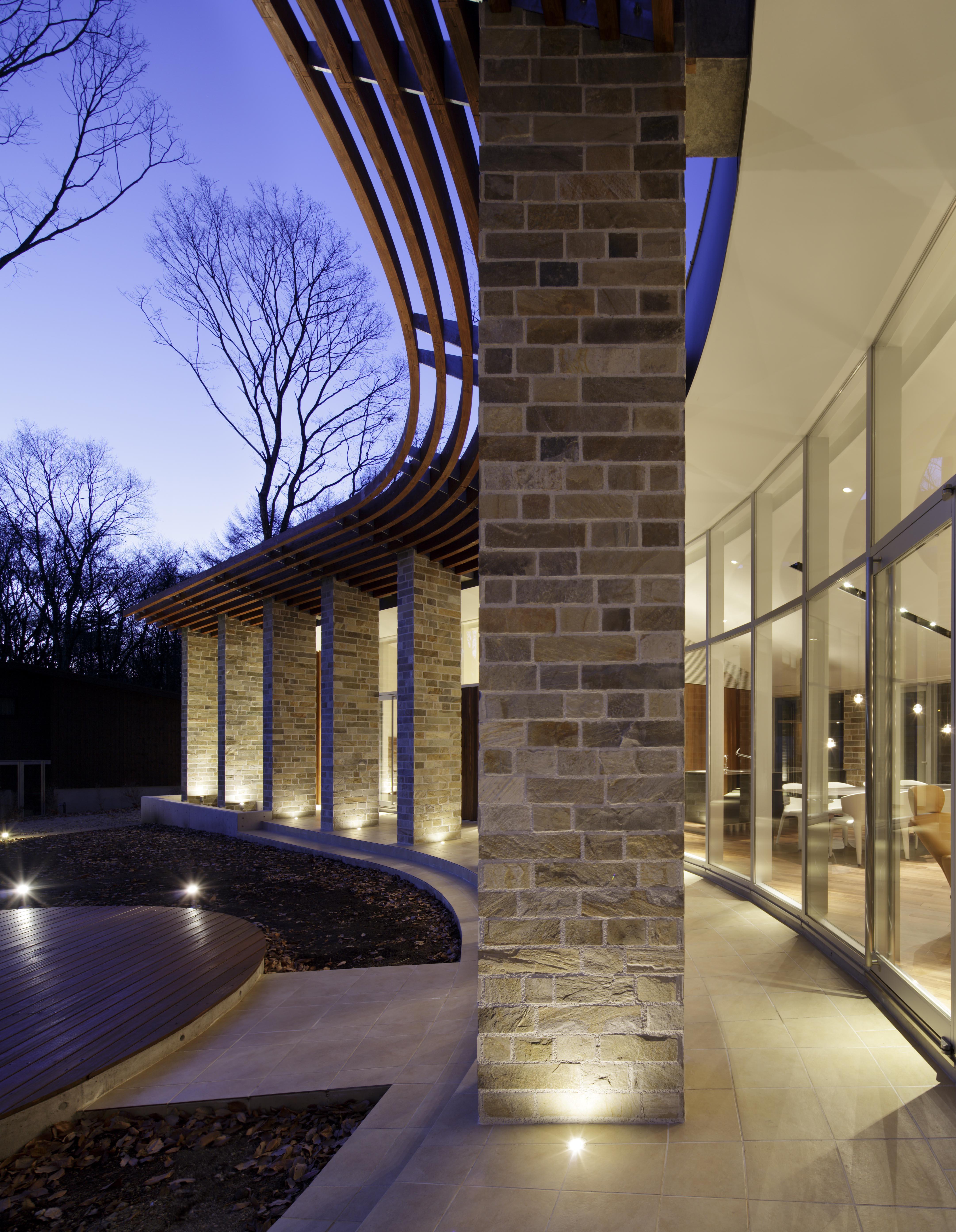 軽井沢の高級別荘建築 | 弧線上のVILLA | Mアーキテクツ