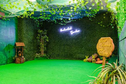 LPH-Decor-LowRes-200-Enchanted-Garden.jp