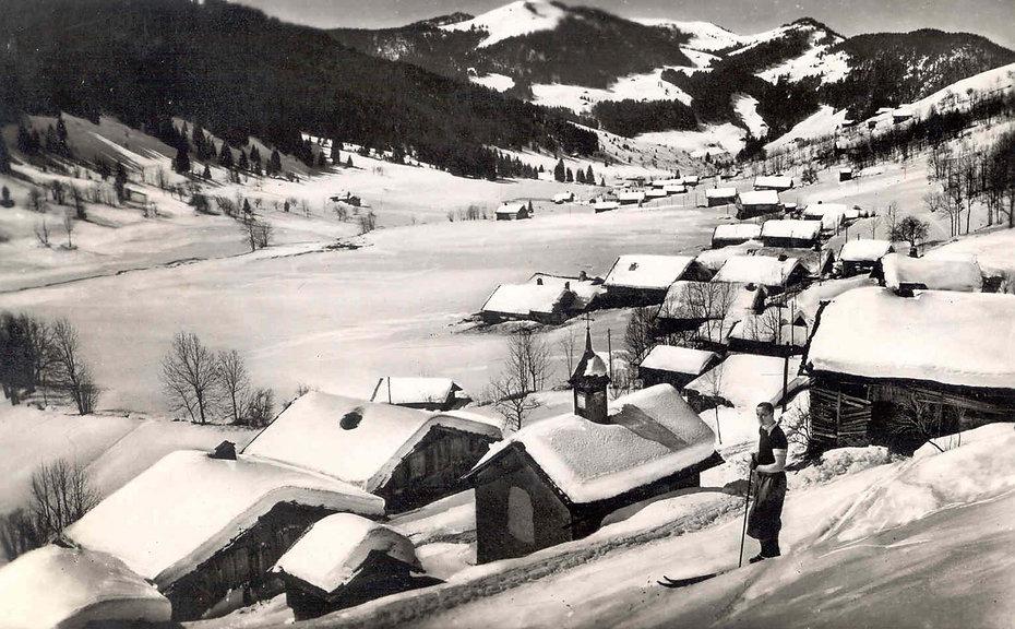 Ancienne photo de La Clusaz sous la neige
