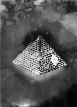 Pyramide #3, série Submergées (ruines