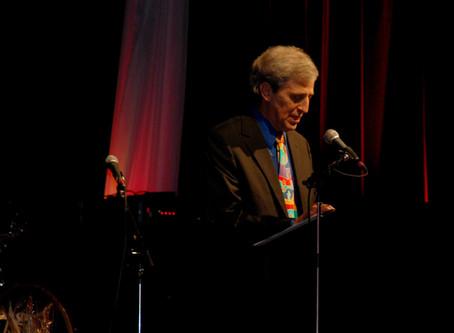 Barry Waldman Recieves Humanitarian Award