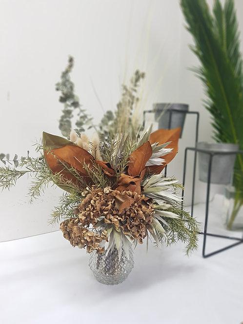 Small Dried Flower Arrangement