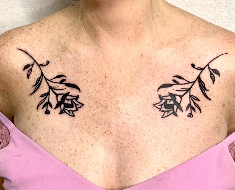Blackwork graphic ornamental flowers bol