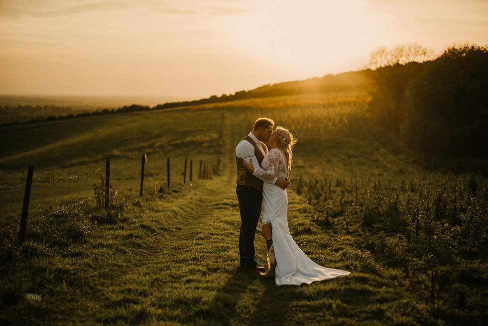 Little Wold Vineyard Wedding Photographe