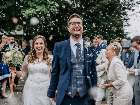 Top Tips for shooting the Perfect Confetti Shot: by Kazooieloki Photography Lincolnshire Wedding Pho