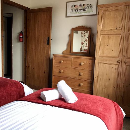Bedroom Heron cottage Devon