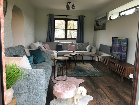 The Lounge - Heron Cottage