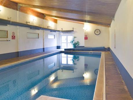 Heated indoor pool - Heron Cottage Newhouse Barton Devon