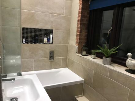 The Bathroom - Heron Cottage Devon