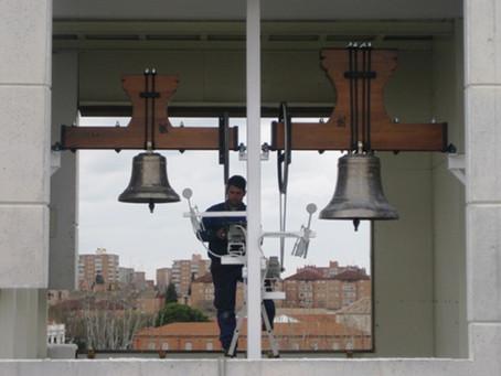 Inauguración y bendición de las campanas de la iglesia