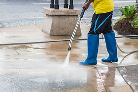 Outdoor floor cleaning with high pressur