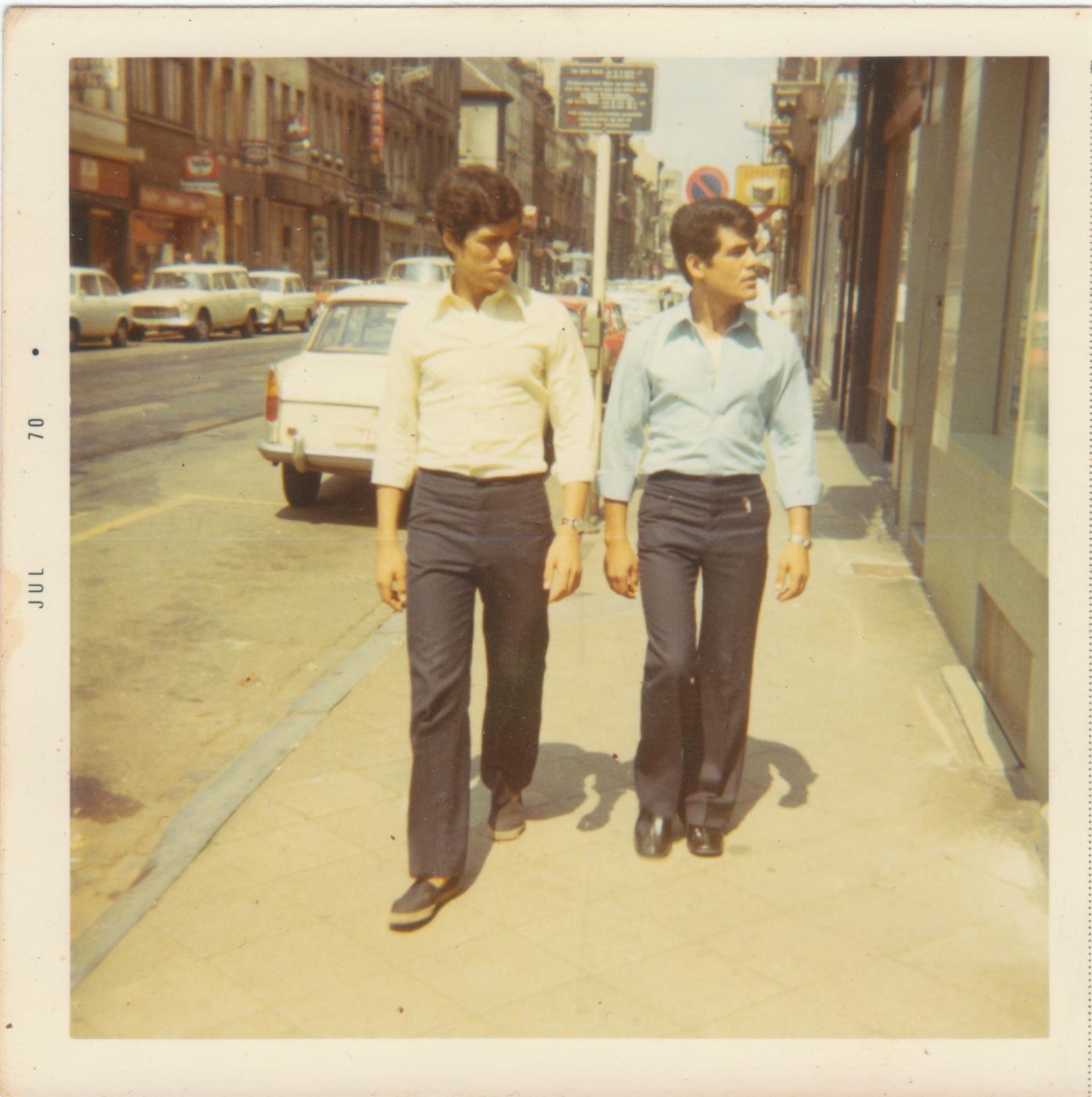 Papa et Mohamed dans les rues de Bxl.jpeg