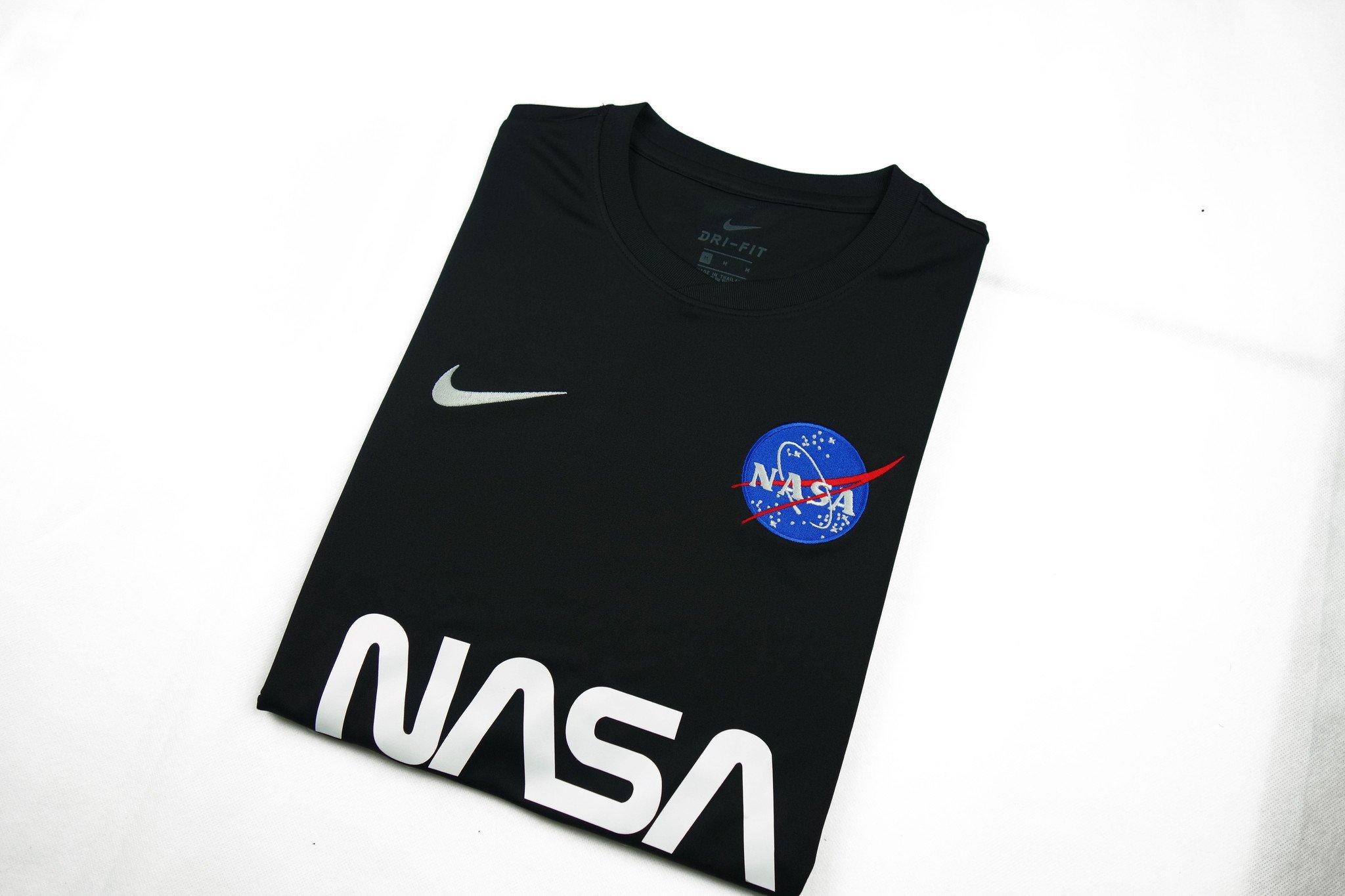 Nike_NASA_Shirt_02