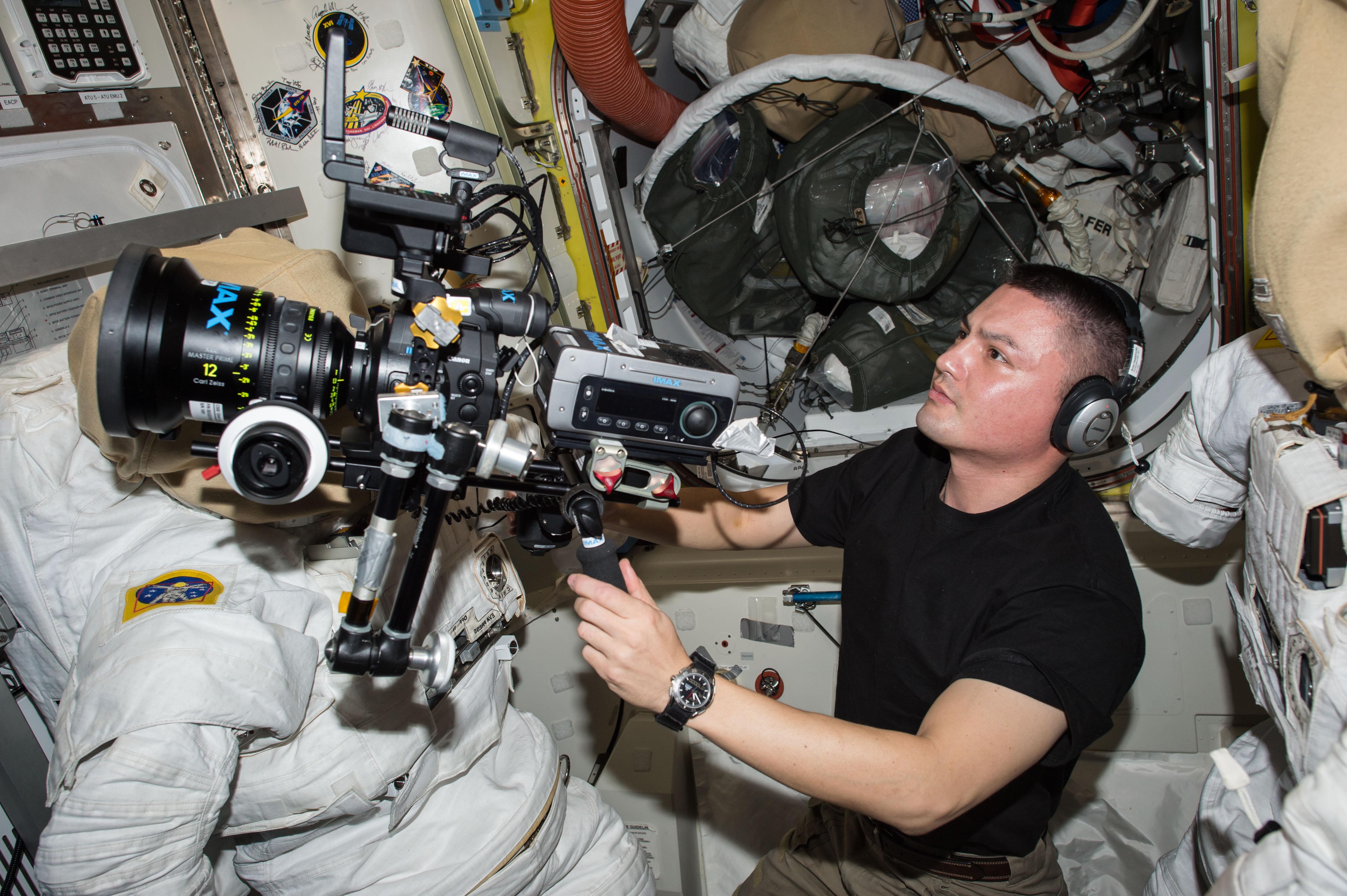 Space Biomedicine Film Crew 01