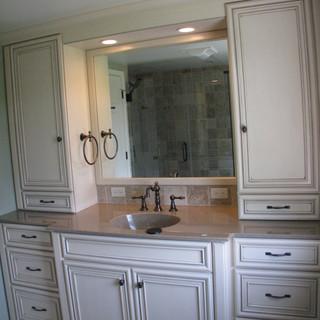 Johnson Bathroom (2).JPG