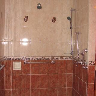 Moore Shower.JPG