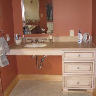 Moore Bathroom (2).jpg