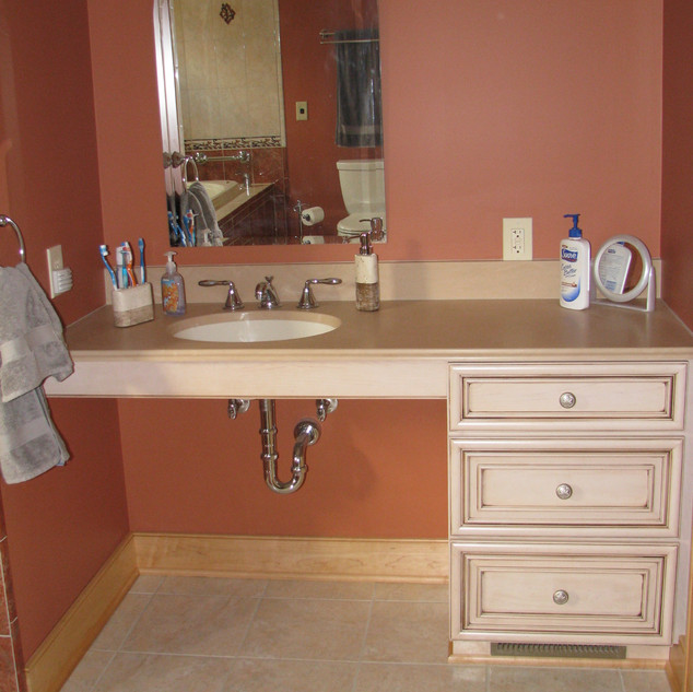 Moore Bathroom (2).jpg